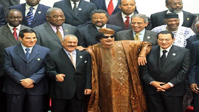 رئيس عربي مخلوع يفاجئ الشعب برسالة جديدة: أنا راجع