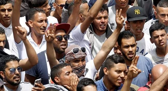 """رئيس عربي مخلوع يفاجئ الشعب برسالة جديدة: """"أنا راجع"""""""