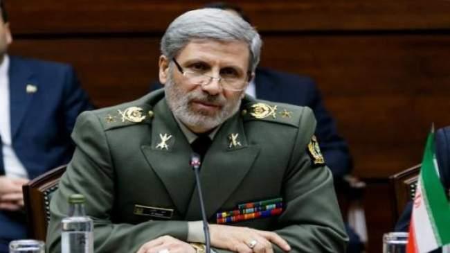 تطورات عاجلة .. وزير الدفاع الإيراني يرد على أمريكا