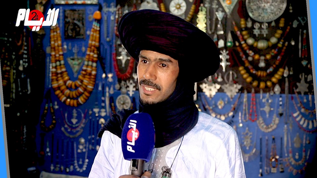 الطوارق أسلوب حياة.. أحمد طوارقي استقر بآسني ولم يفرّط في حرفة أجداده