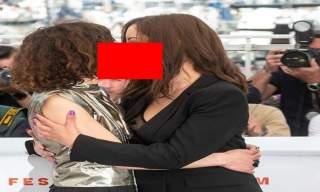 قبلة بين ممثلتين مغربيتين تثير جدلا واسعا