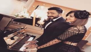 مشهد رومانسي بين تامر حسني وزوجته المغربية يشعل مواقع التواصل (فيديو)