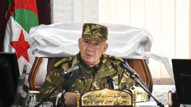 الإعدام لضباط كبار في المخابرات الجزائرية