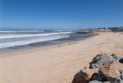 """هكذا تهدد """"مافيا الرمال"""" السواحل المغربية"""