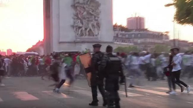 """بالفيديو..تخريب محلات باريس بعد تأهل الجزائر إلى نصف نهائي """"كان 2019"""""""
