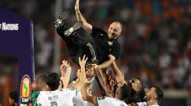 """مدرب الجزائر يخرج عن صمته بعد التتويج بـ""""اللقب الإفريقي"""""""