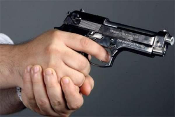 فاس.. شرطي يشهر مسدسه لتوقيف جانح في حالة هيجان