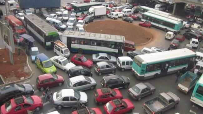 بسبب فوضى السياقة.. شركة عالمية تختار الدار البيضاء لاختبار سيارة ذاتية القيادة
