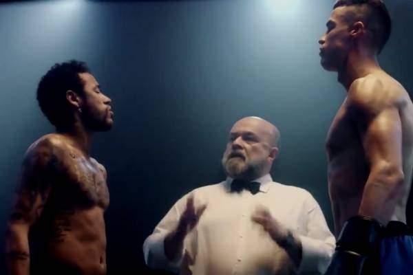 فيديو نادر.. رونالدو ينازل نيمار على حلبة الملاكمة