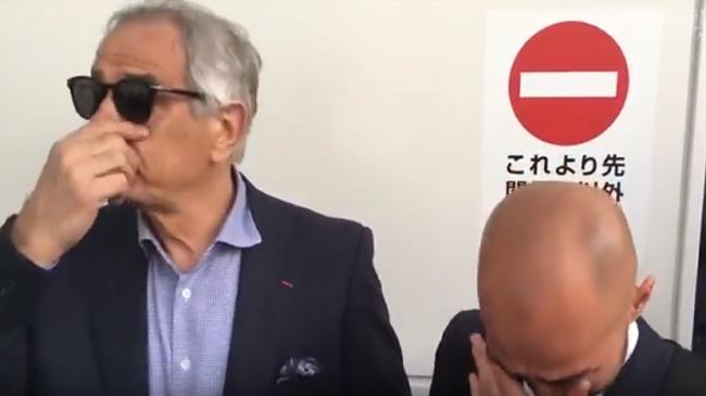 بالفيديو..بكاء خليلوزيتش ومترجمه بعد إقالته من تدريب منتخب اليابان