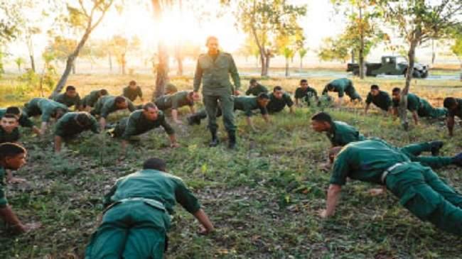 شباب مغاربة يقبلون على الخدمة العسكرية أملا في تحسين أوضاعهم المعيشية