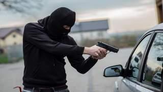 يستعمل مسدسا ناريا لتصفية حساباته مع الخصوم..توقيف أخطر مجرمي الناظور