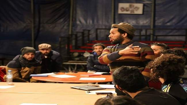 عشيق: المسرح المغربي يعيش طفرة بوأته الريادة في الساحة العربية