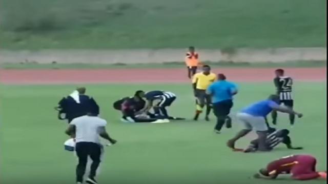 فيديو..البرق يصعق لاعبي كرة قدم خلال التدريبات
