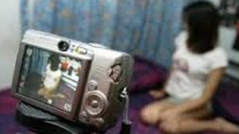 تفاصيل اعتقال 11 شخصا بينهم 8 نساء في قضايا الجنس وتصوير مشاهد مخلة