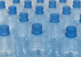 دراسة: جزيئات سامة في قنينات مياه الشرب المعدنية تعرف عليها