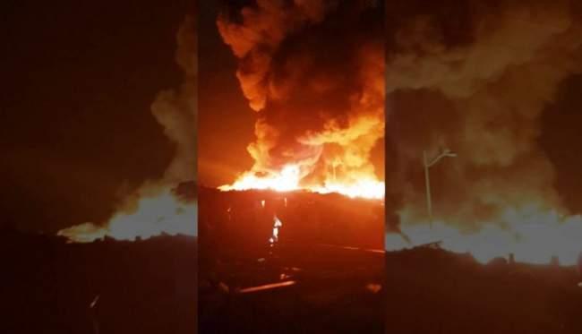 حريق مهول يأتي على سوق سيدي يوسف بأكادير